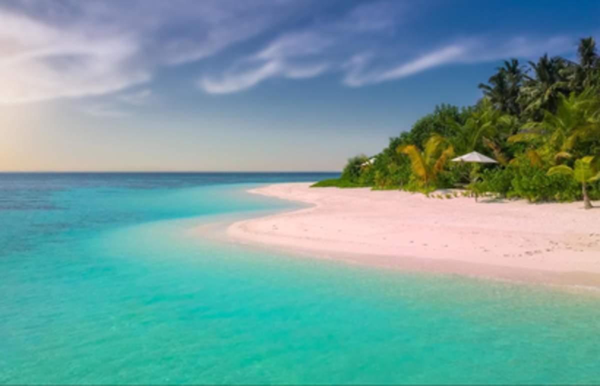 15 Must-Visit Philippine Beaches That Aren't In Boracay