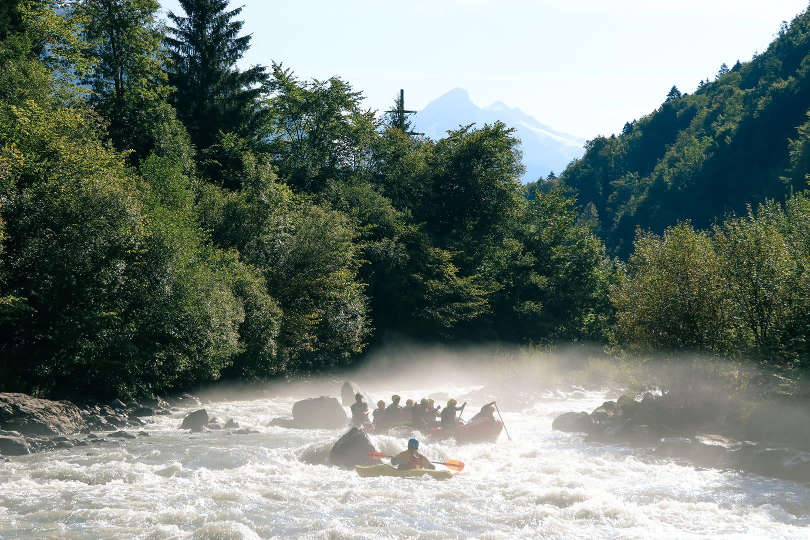 เที่ยวแม่น้ำลุทชินา