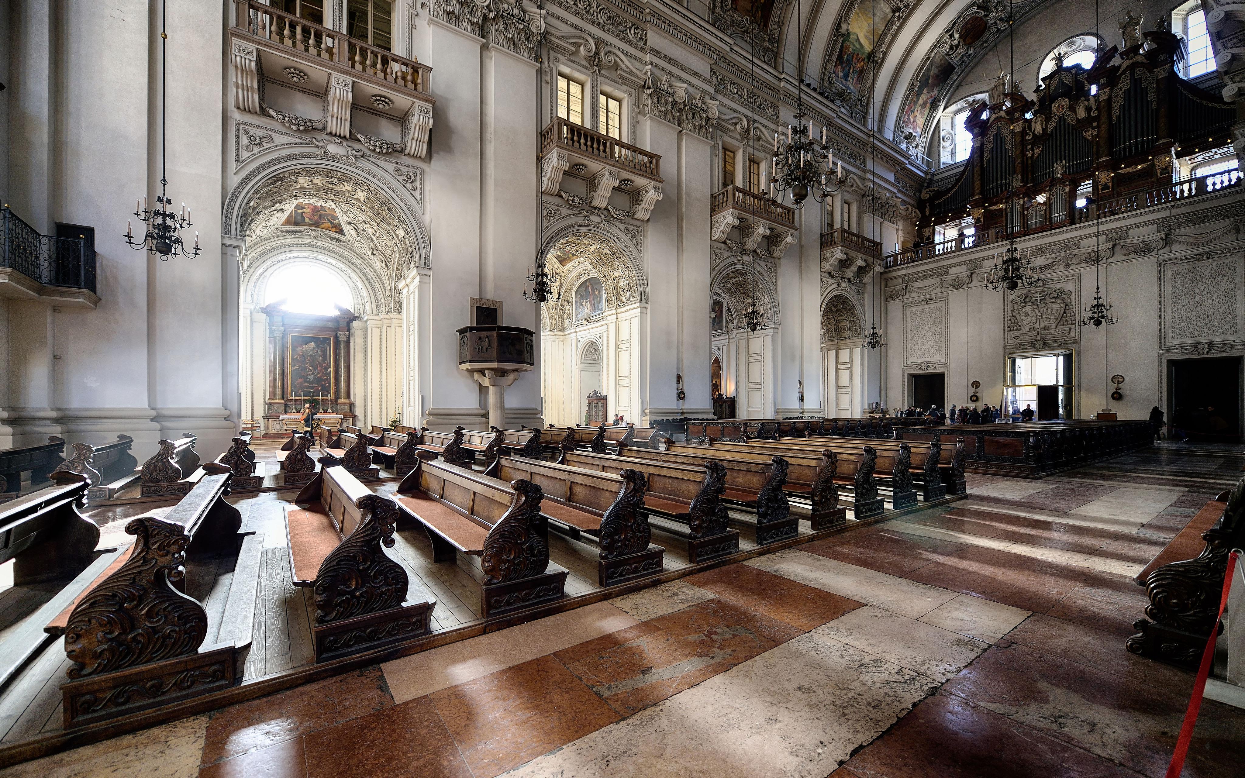 10.-Salzburg-Cathedral-Yuan