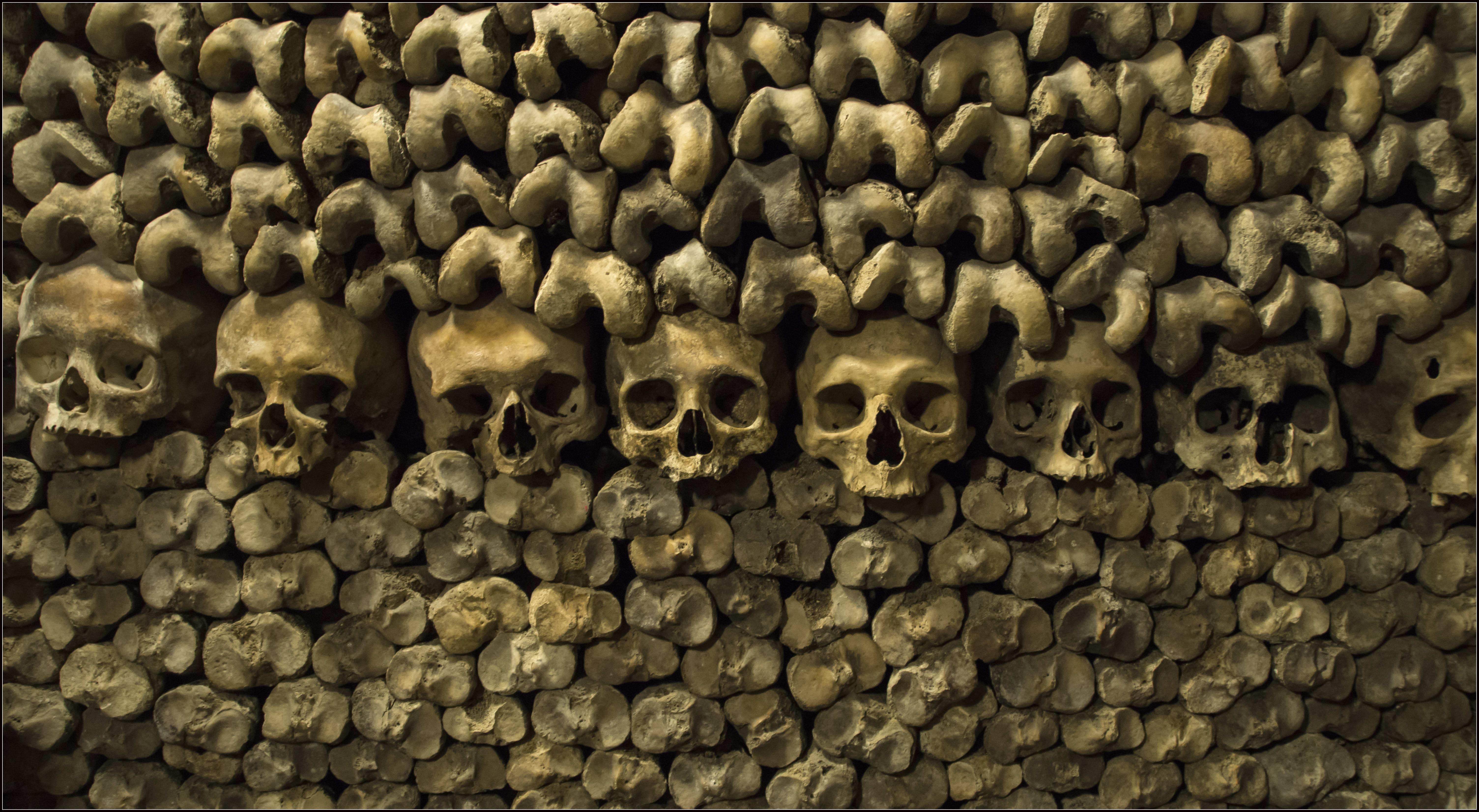 สุสานใต้ดิน Catacombs-Bert-Kaufmann