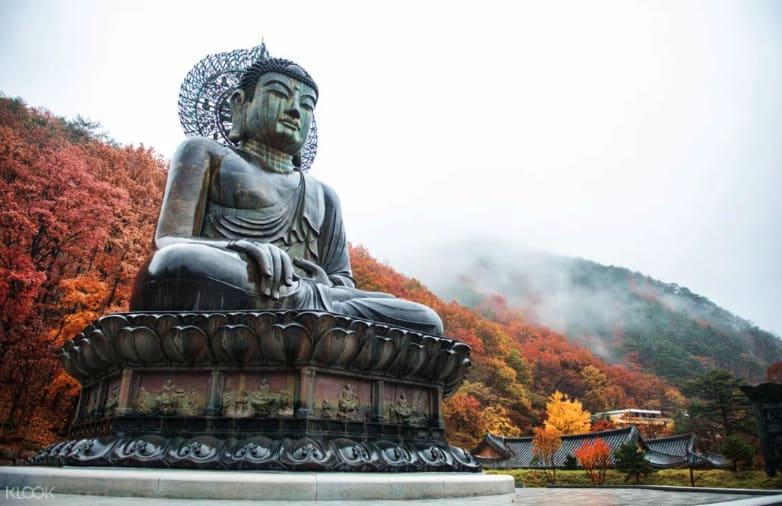 Seoraksan-autumn-day-tour-seoul