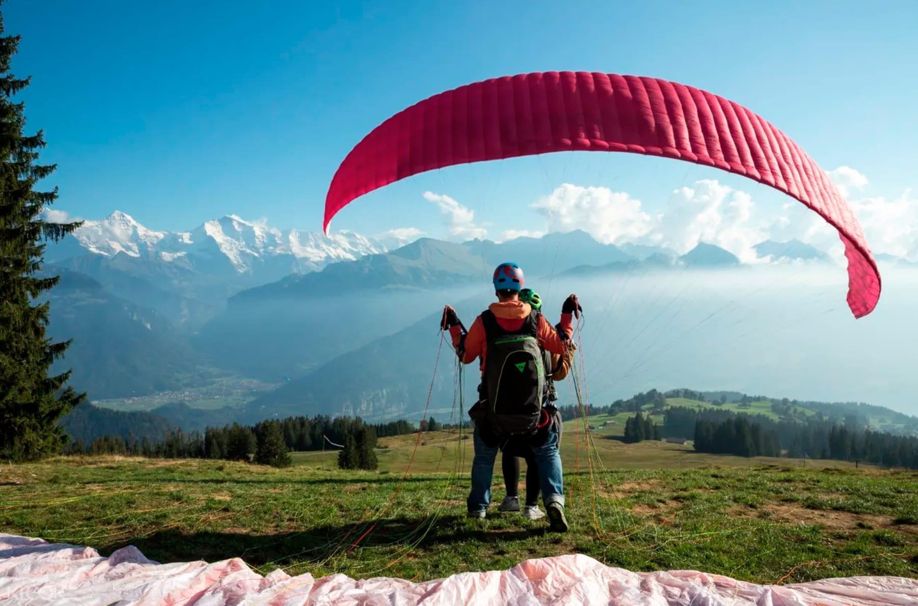 เครื่องร่มร่อน paragliding สวิตเซอร์แลนด์