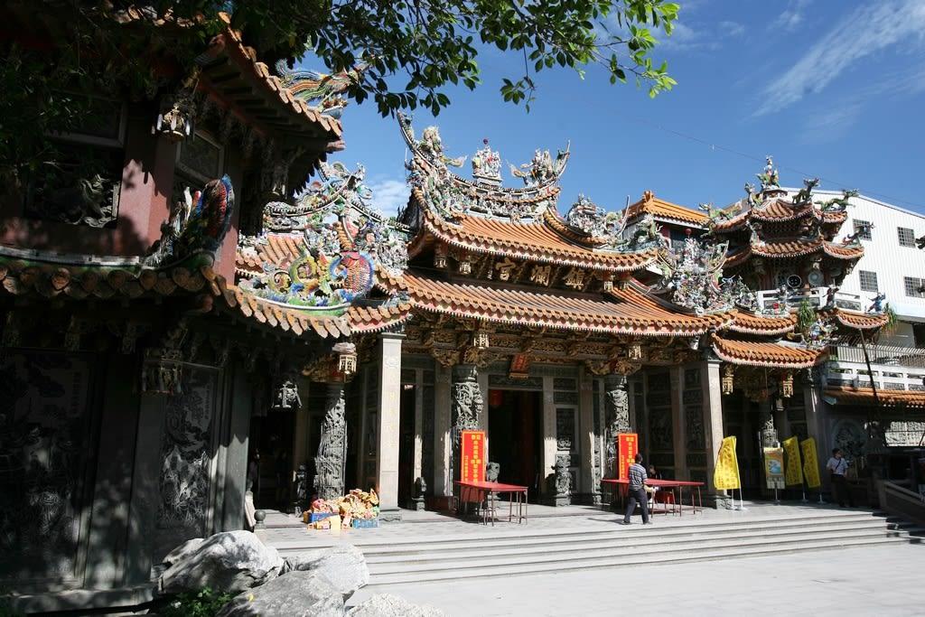 「大甲鎮瀾宮」的外觀相當雄偉壯麗。(圖片來源/旅遊臺灣網站)