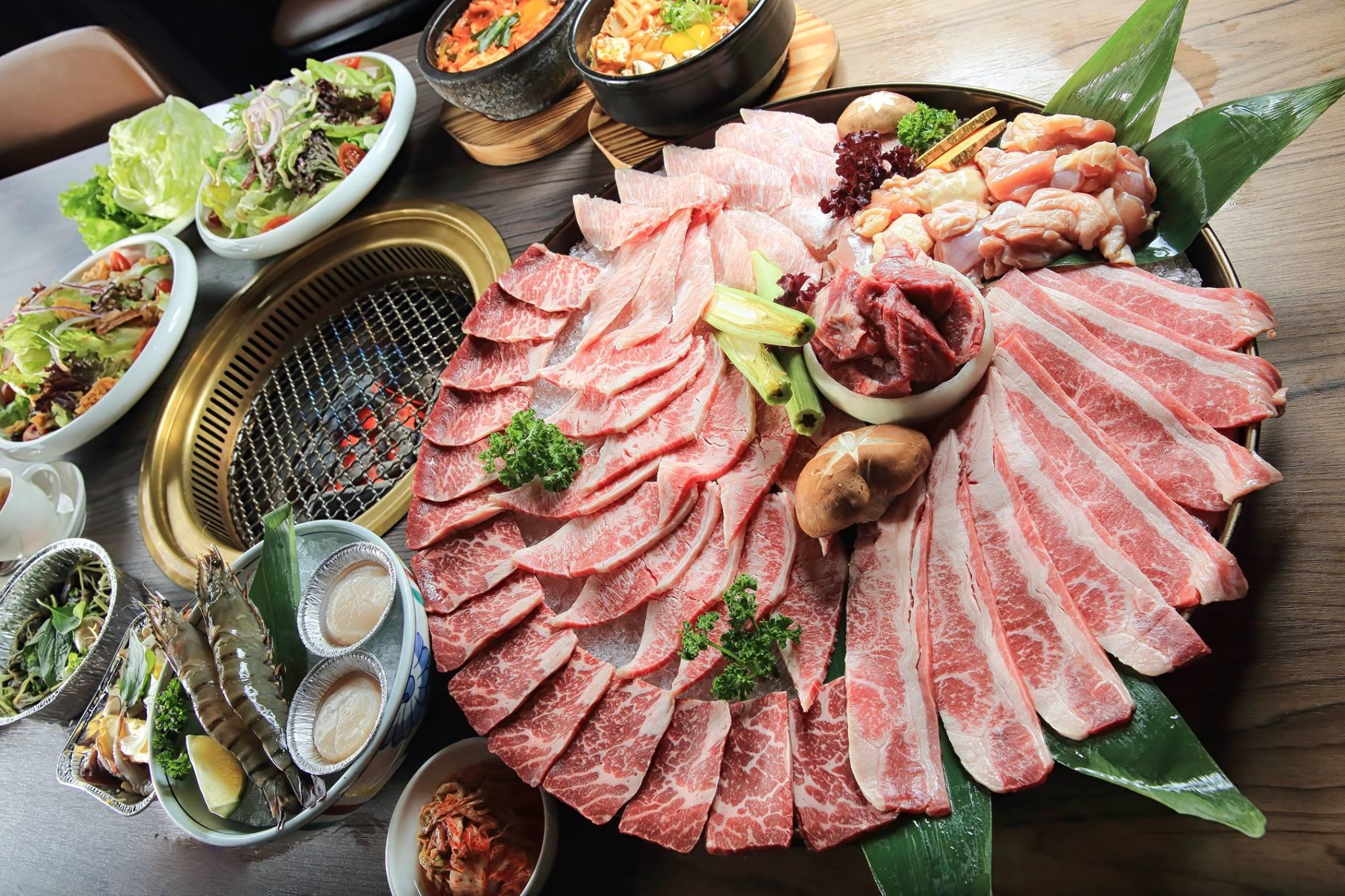 「市太郎燒肉市場」澎湃的雙人套餐系列。(圖片來源/市太郎燒肉市場粉絲團)