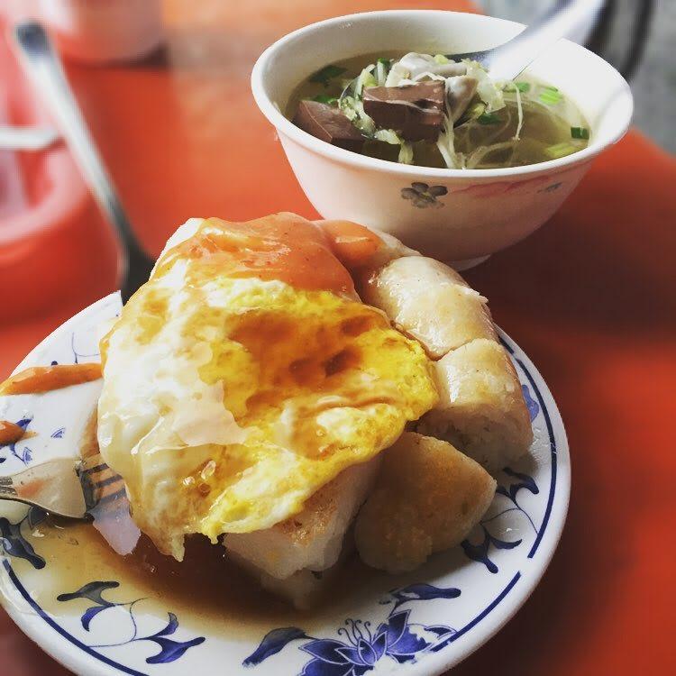 「王記菜頭粿糯米腸」是許多台中人從小吃到大的早點。(圖片來源/Instagram-huiwun_)