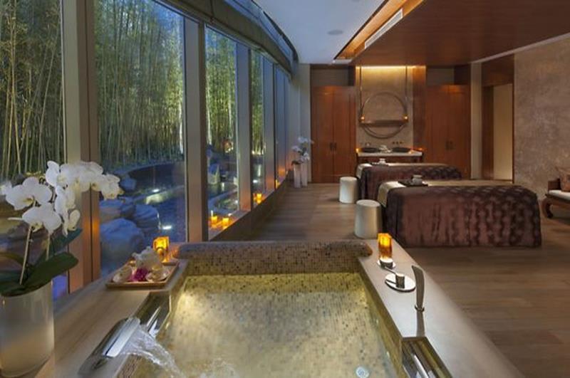 飯店內最奢華的水療雙人客房(照片來源:Mandarin Oriental Pundong Shanghai官網https://goo.gl/Z814FY)