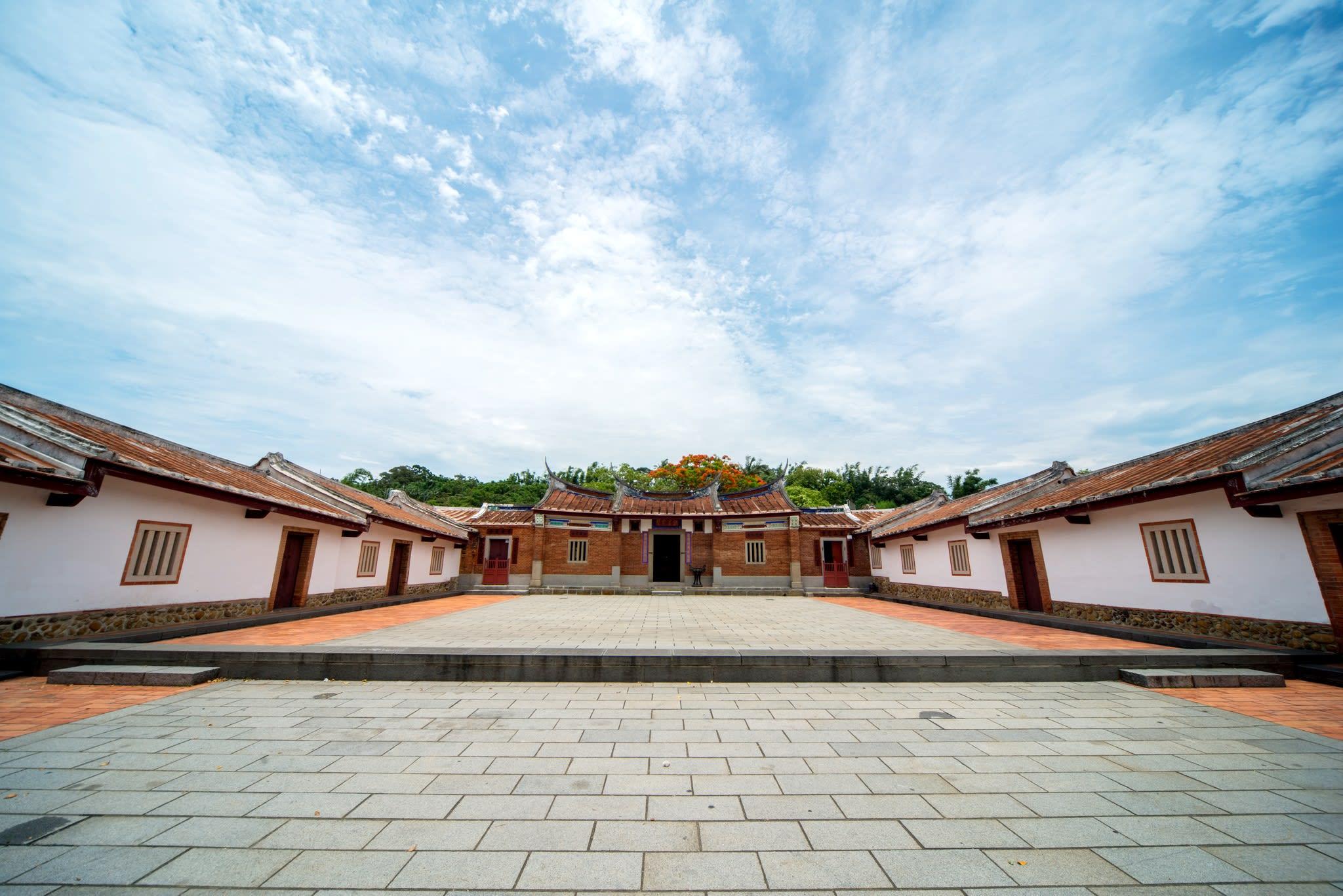 列為三級古蹟的「上坊寮劉宅」,是北台灣最大的傳統客家建築。(Flickr授權作者-Tony Tseng)