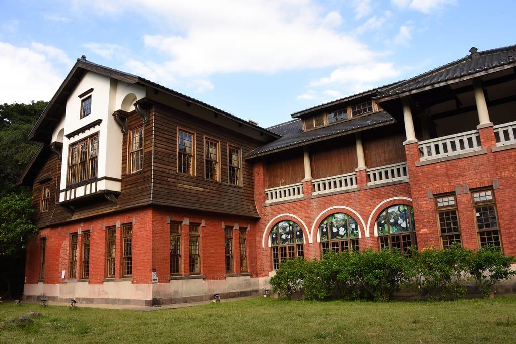 「北投溫泉博物館」外觀,為仿英國鄉村的建築風格。(圖片來源/台北旅遊網)