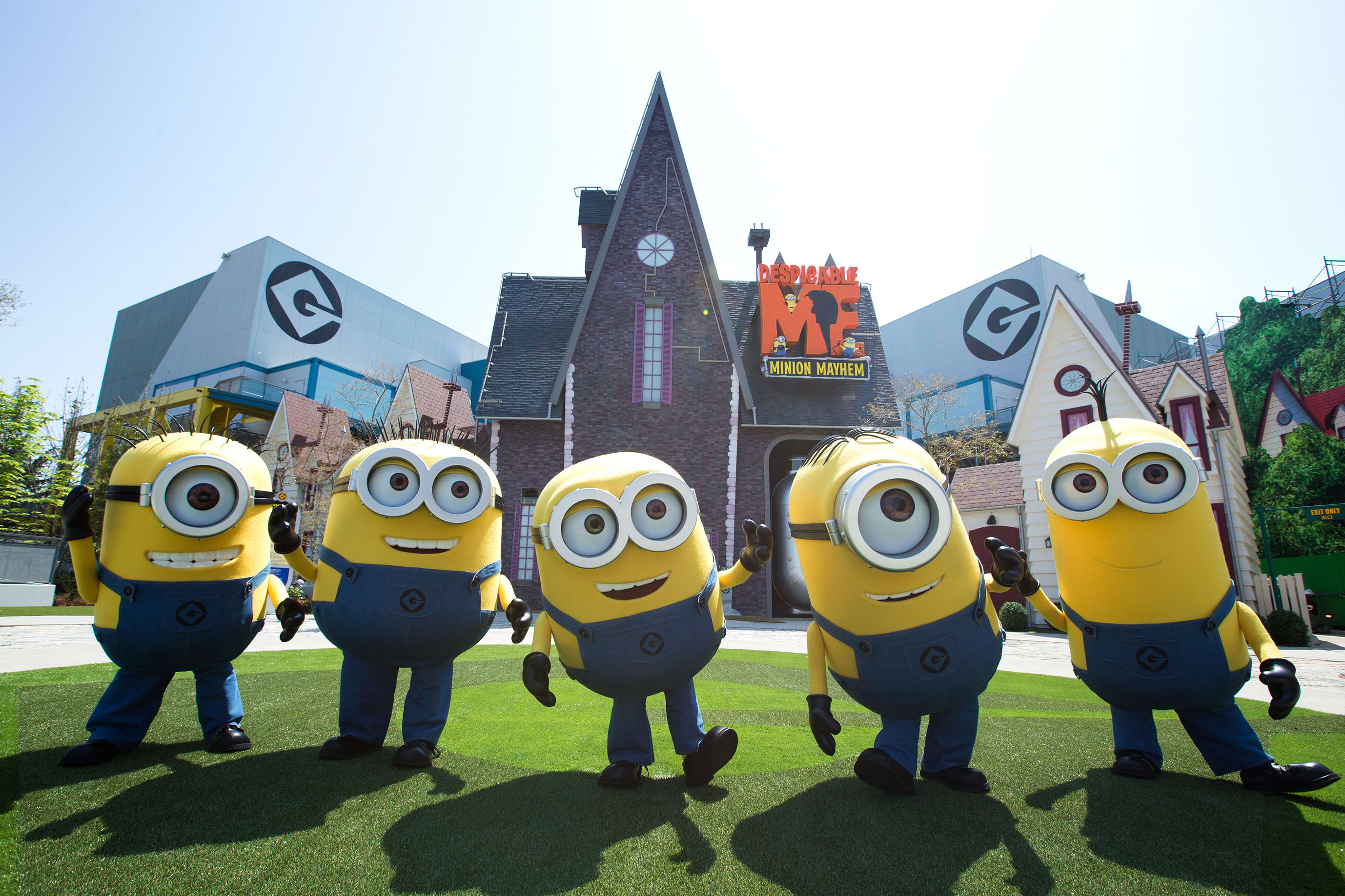 Despicable Me, Minion Made and all related marks and characters are trademarks and copyrights of Universal Studios. Licensed by Universal Studios Licensing LLC. All Rights Reserved. © & ® Universal Studios. All rights reserved