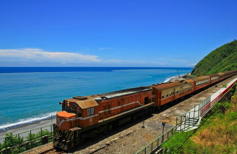南 迴 鐵 路 其 實 處 處 都 是 美 景( 圖 片 來 源 : //goo.gl/nJYkHq )
