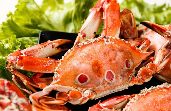 煙燻三點蟹。(圖片來源/萬里蟹官網)