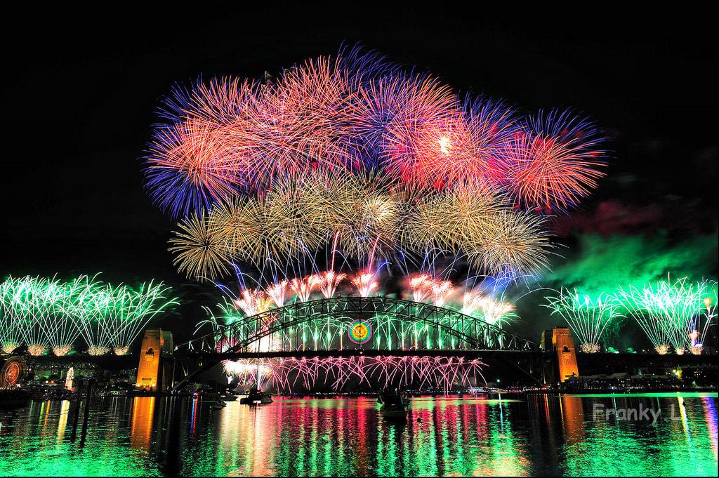 璀璨絢麗的雪梨跨年煙火秀,讓人看得目不轉睛。(Flickr授權作者-Franky L)