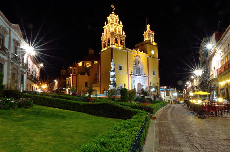 瓜納華托大教堂Basilica Guanajuato Mexico(照片來源:Russ Bowling@)Flickrhttps://goo.gl/Z8htxZ
