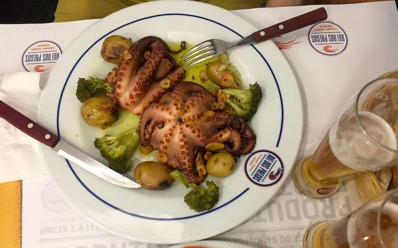 葡式料理注重保留食物的原味,這道烤章魚,吃得到橄欖油香,海鮮的鮮甜,很推薦。Photographer | Serina Su