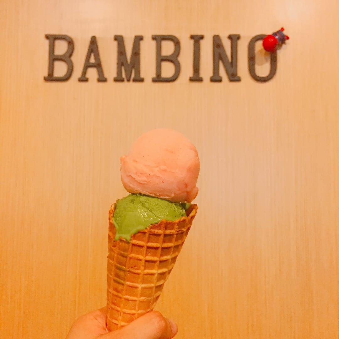 紅心芭樂+抹茶風味冰淇淋。(圖片來源/Instagram-amybofoodie)