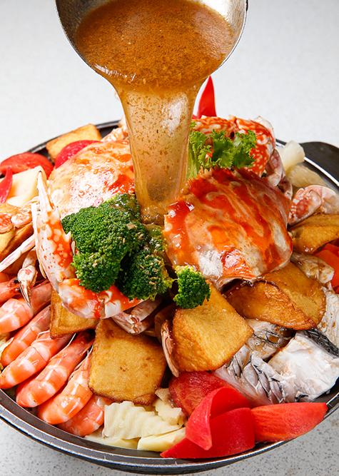 螃蟹砂鍋。(圖片來源/萬里蟹官網)