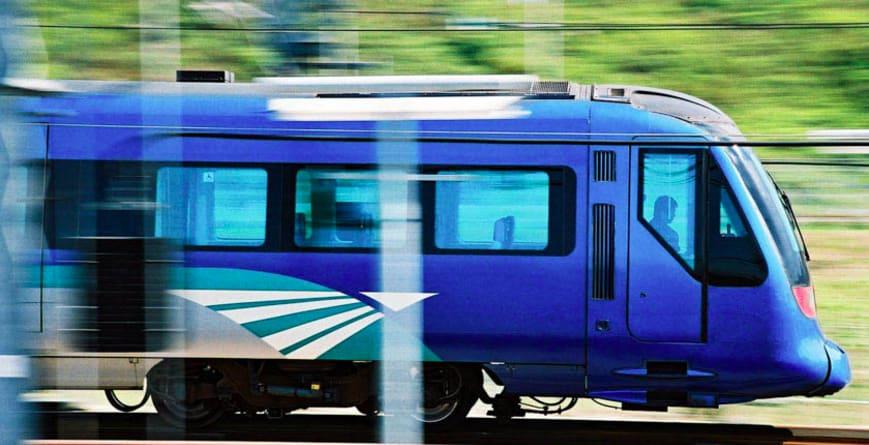 香港度過小週末 香 港 快 線 比 搭 巴 士 便 宜