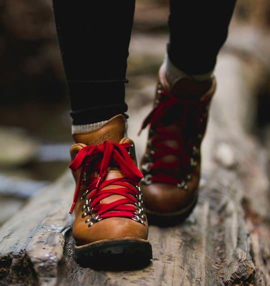 Danner 登 山 靴 。