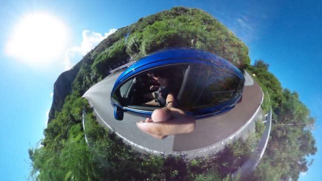 租 了 車 , 自 駕 遊 輕 鬆 又 自 在 。 要 記 住 沖 繩 是 右 駕 喔 !