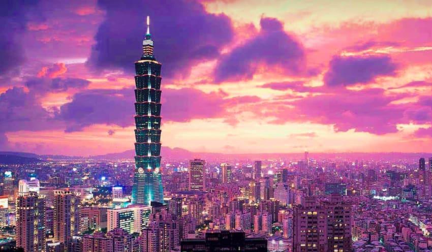 台 北 101 永 遠 是 台 灣 人 的 驕 傲 。