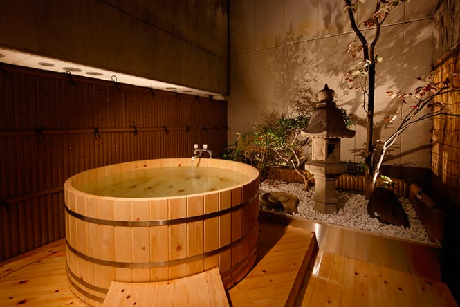 日本蔦屋書店 尤 其 在 冬 天 , 能 泡 湯 是 一 件 很 愉 快 的 事 情。