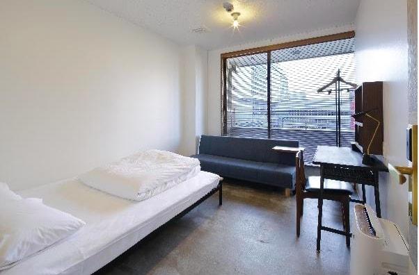 三 人 床 。 圖 片 來 源 :截 圖 自 官 網