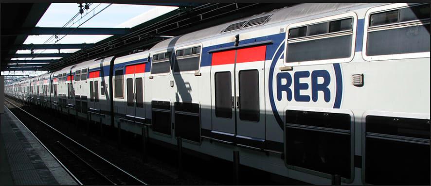 法國巴黎RER photo by kiwitaxi