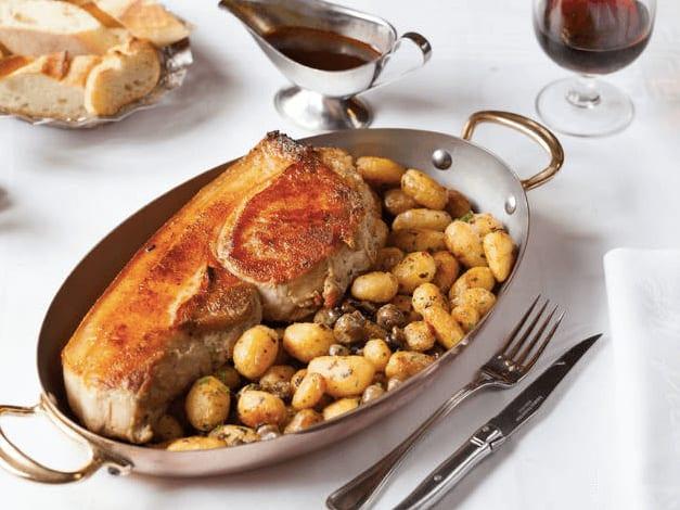 法國巴黎餐廳—Au Pied de Cochon 主菜 photo by Au Pied de Cochon