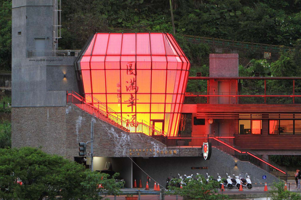 造型超特殊的「天燈派出所」,有機會一定要來看看唷!(Flickr授權作者-傑克生)