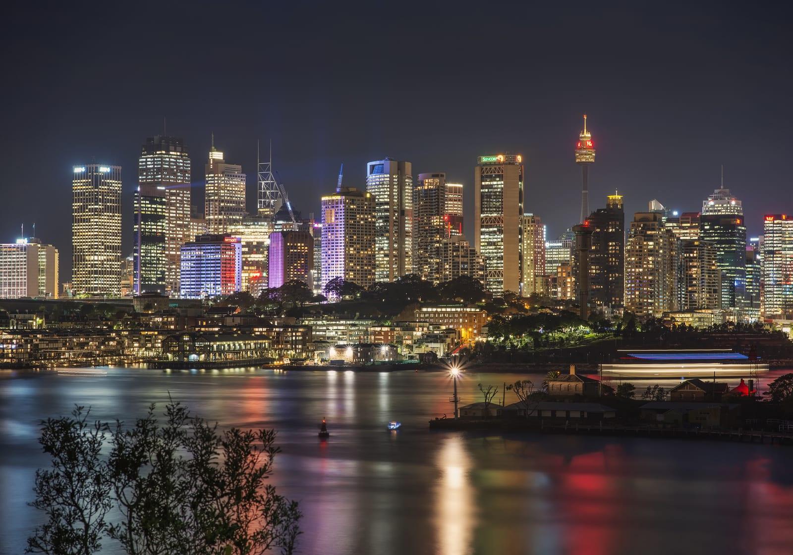 雪梨繁華迷人的夜色景觀。(Flickr授權作者-Lenny K Photography)