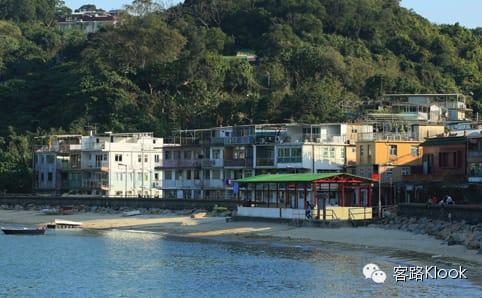 香港絕美小島 陶 瓷 配 著 日 落 美 景