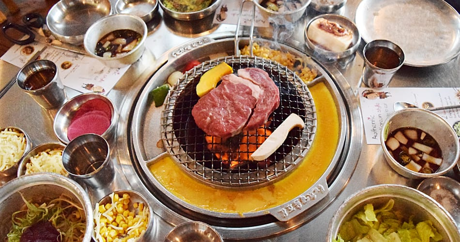 Kang Hodong Baekjeon 在 食 材 的 搭 配 上 絕 對 不 馬乎!