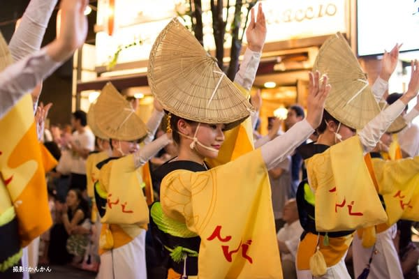 神 樂 坂 祭 典 。