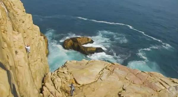 登 頂 的 那 刻 , 美 麗 風 景 便 是 最 好 的 禮 物 。