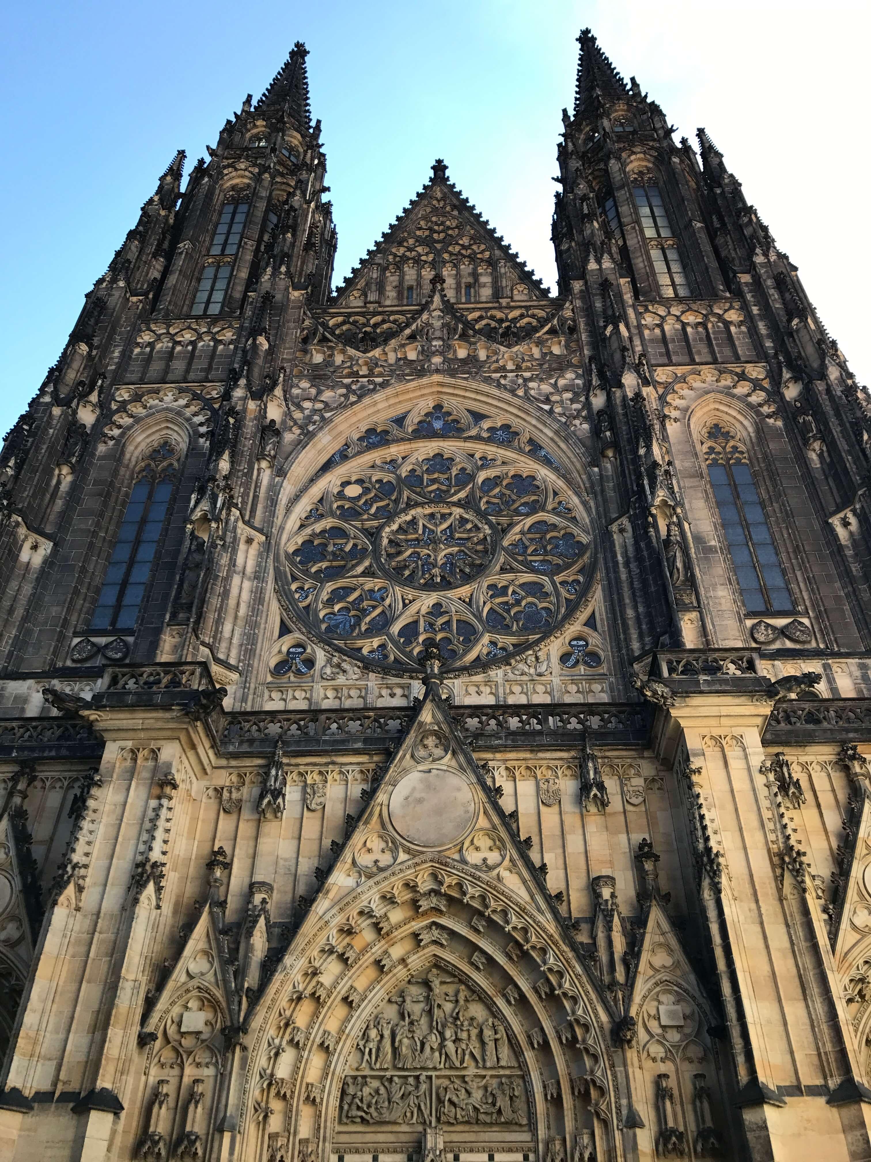 整座教堂結合許多建築風格,有布拉格城堡「建築之寶」之稱。Photographer / Penny