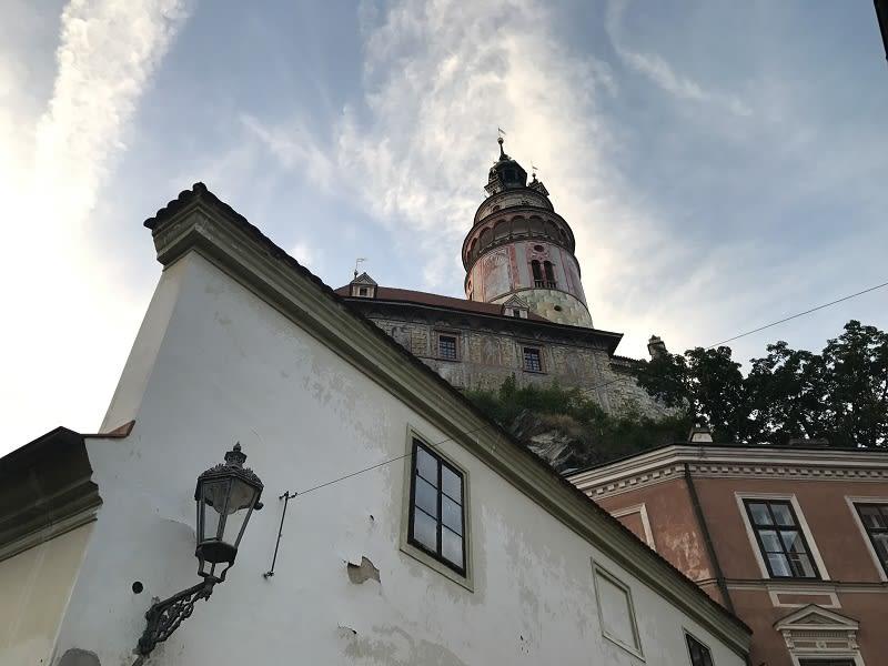 CK小鎮抬頭到處都能看見彩繪塔!
