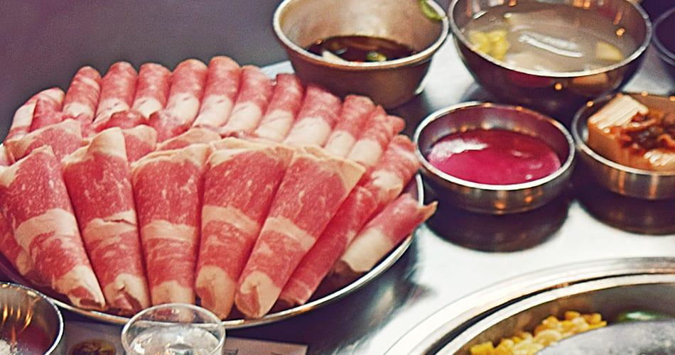 Kang Hodong Baekjeon 讓 人 在 美 國 也 可 以 吃 到 道 地 的 韓 式 烤 肉!