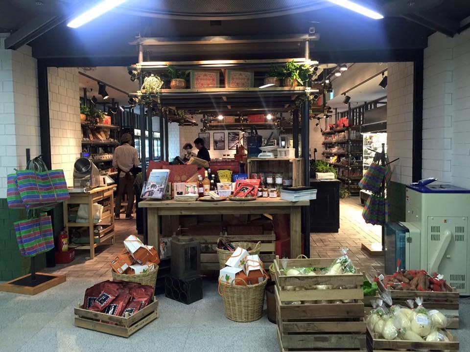 小 農 超 市 。 圖 片 來 源 : 官 方 粉 絲 團 。