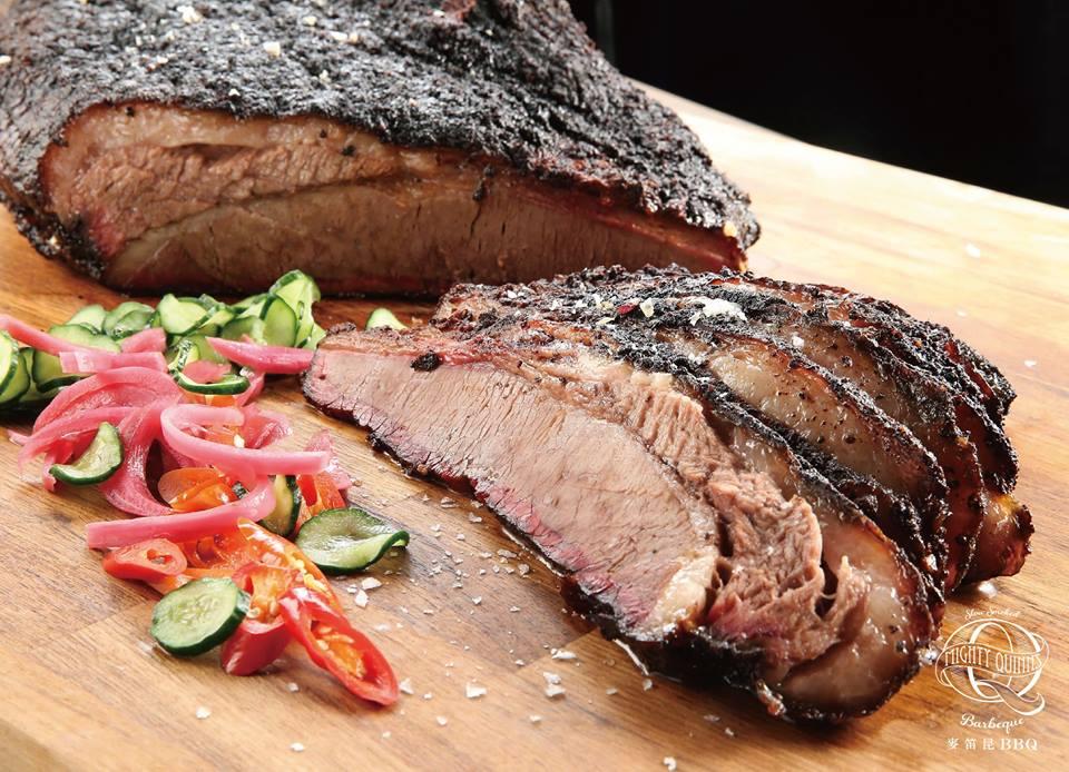 招 牌 牛 胸 肉 。圖 片 來 源 : 麥 迪 昆 粉 絲 團 。