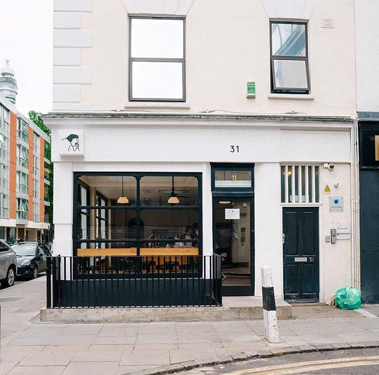 BAO 現 在 在 倫 敦 已 經 有 三 家 分 店 了!成 長 的 十 分 快!