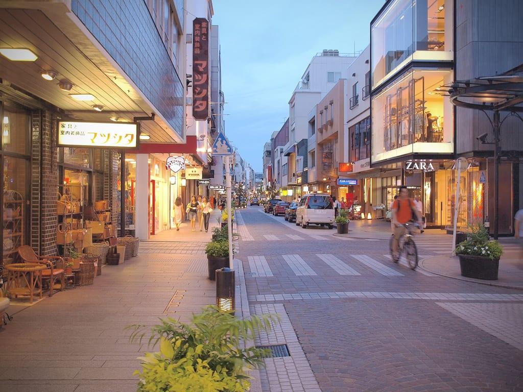 元町商店街。|來源:travel.superlife.ca