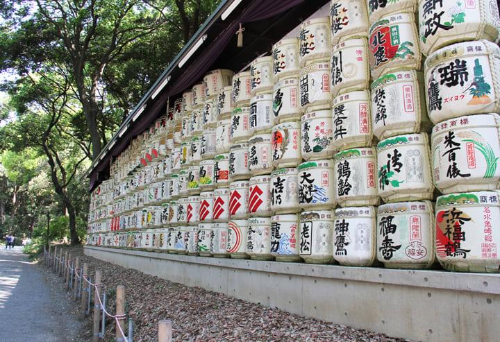 明治神宮內的日本酒桶。(照片來源:pbase.com)