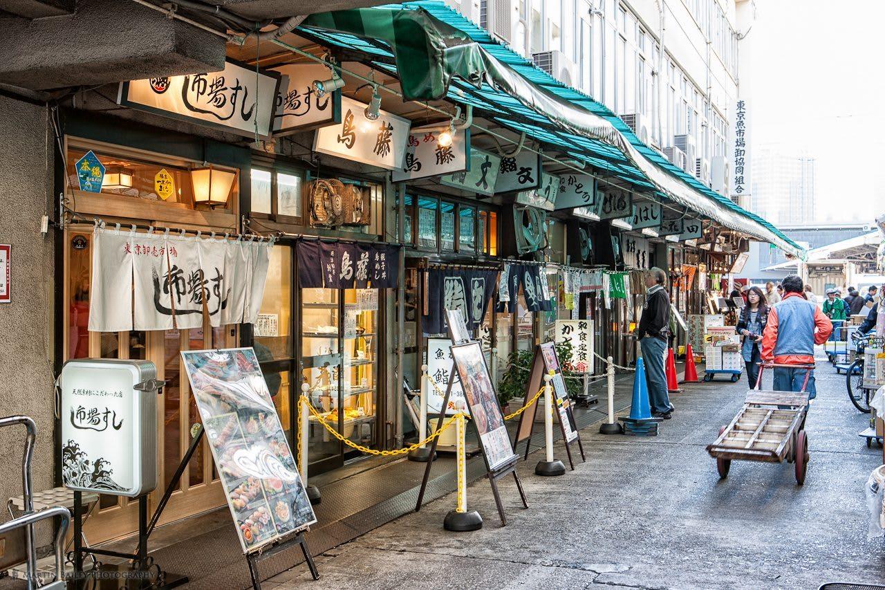 築地市場的排隊名店。|來源:www.gwigwi.com
