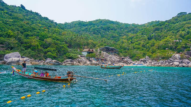 龜 島 可 以 潛 水 地 點 就 有 十 個 ! !