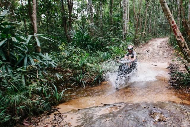 陪 你 爬 山 涉 水 的 摩 托 車 。