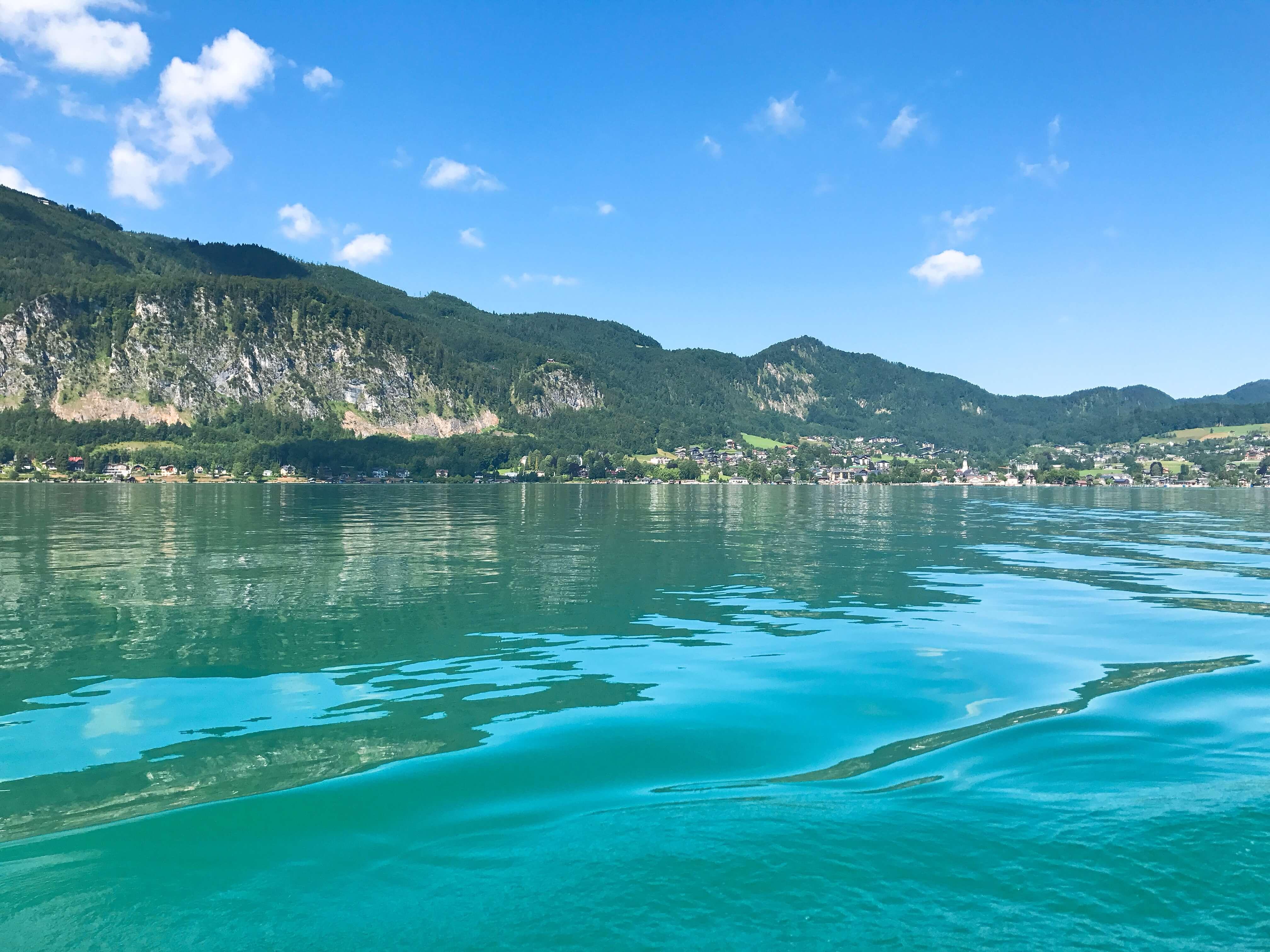 湖光山色加上藍天白雲,遊過沃夫岡湖真的此生無憾。hotographer / Penny