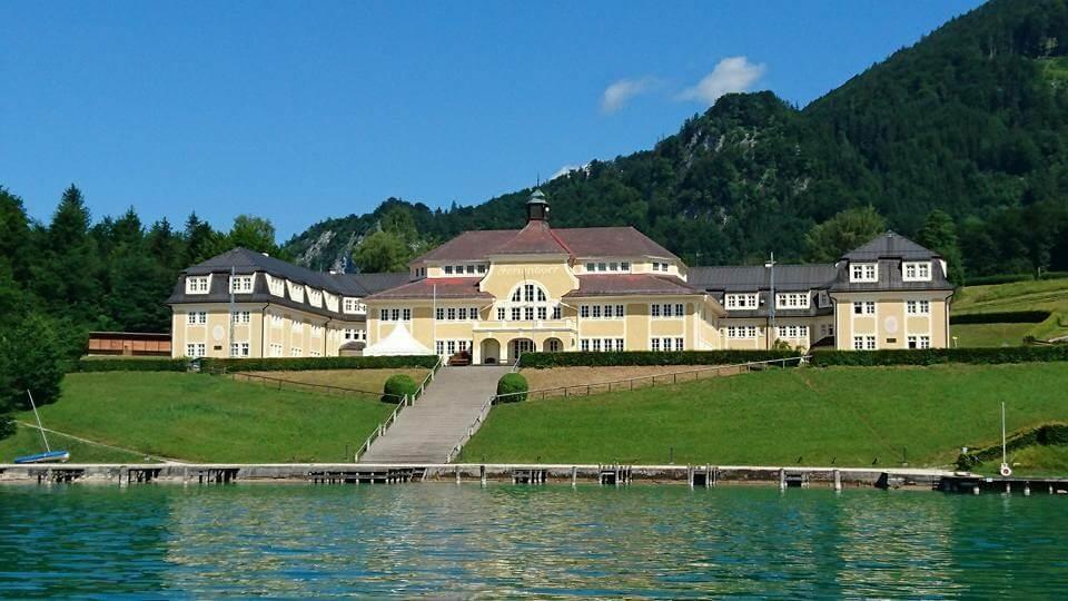 湖畔的建築物也超值得欣賞。hotographer / Penny