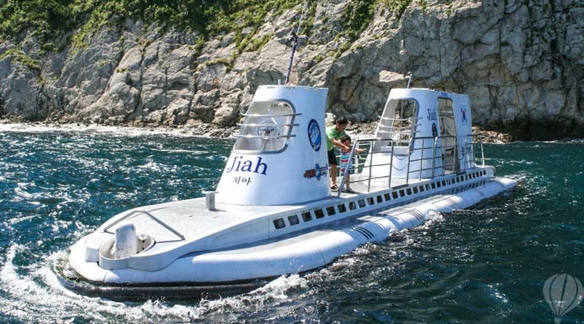8e5bdc52-submarine-jeju-1