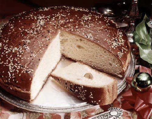 有 看 到 蛋 糕 裡 面 藏 著 一 枚 硬 幣 嗎 ! 圖 片 來 源 : 希 中 網 。