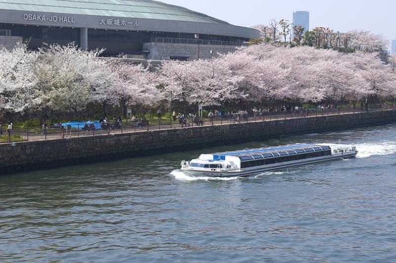 大阪水上巴士(照片來源:大阪觀光局PHOTO LIBRARY)http://www.osaka-info.jp/photo_library/